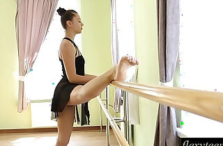 Sexy girl does gymnastic acting