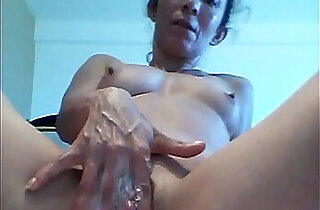 Colombian wife Lucy love to squirt