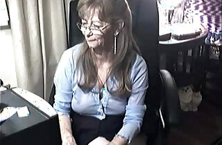 Lovely Granny with sexy Glasses Free live Webcam Porn video from private cam,net amazing cute