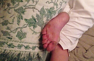Jerking It to My Aunts Dirty Sleeping Feet She has absolutely no idea